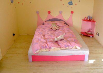 Łóżko dziecięca - łóżko królewny