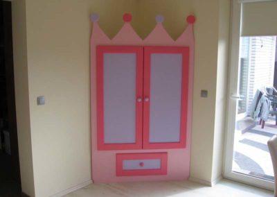 Szafa do pokoju dziecka - szafa królewny